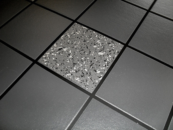 Perfect Black and White with Silver Grout Bathroom 600 x 450 · 74 kB · jpeg